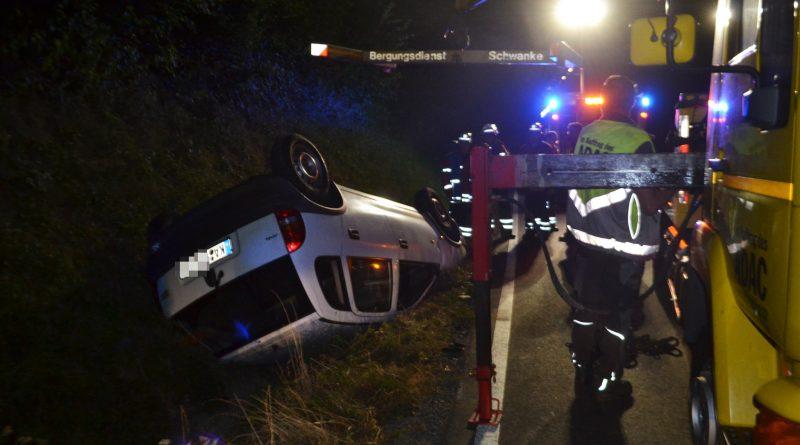 zw. Stein und Walzbachtal – Opel überschlägt sich – 15.09.2016