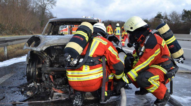 A5 bei Bruchsal: PKW vollständig ausgebrannt – 14.01.2017