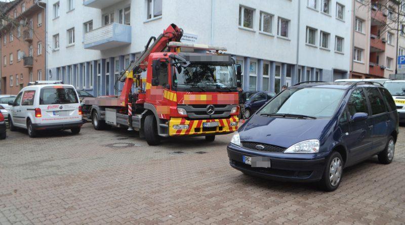 Pforzheim: Oranierstraße zugeparkt – Abschlepper kommt nicht durch, Feuerwehr auch? – 19.03.2017