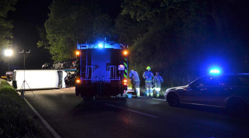 B10 bei Mühlacker: Reifenplatzer – Autotransporter kollidiert mit Transporter – 30.05.2017