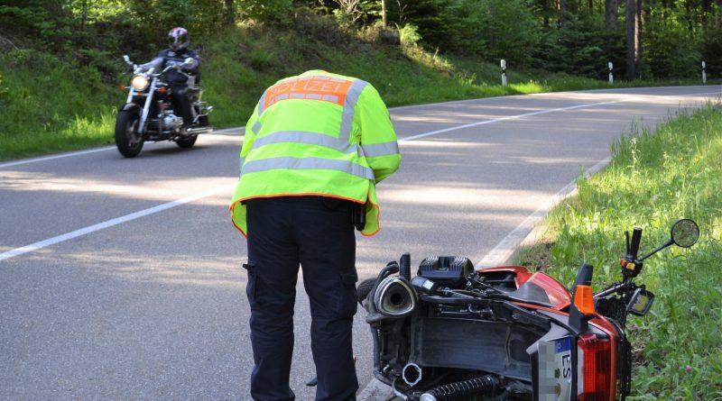 b294 bei Kleinenztal – Motorradfahrer schwer verletzt – 25.05.2017