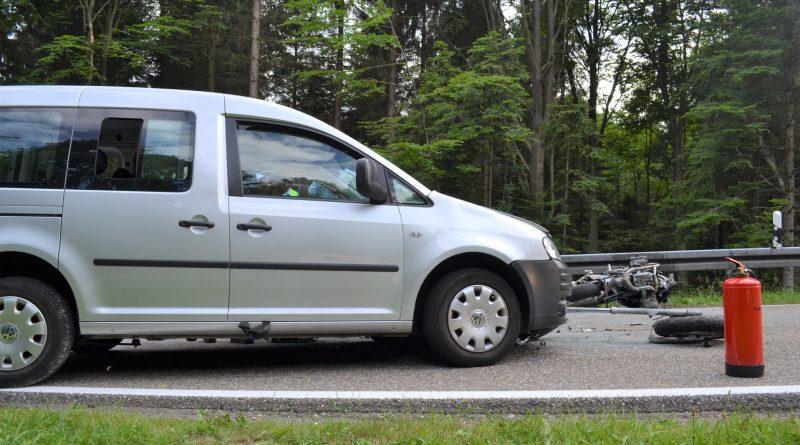 Dobel: Tödlicher Unfall – Motorradfahrer kommt in den Gegenverkehr – 11.06.2017