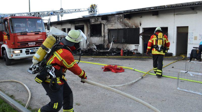 Königsbach-Stein: 200.000€ Schaden beim Brand im Pferdeverein – 19.06.2017