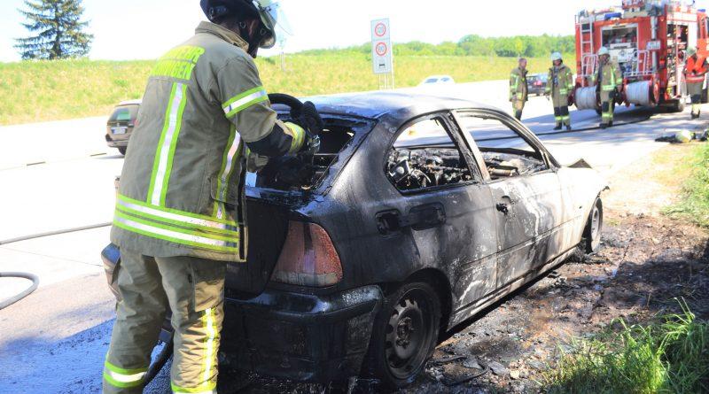 Technischer Defekt – PKW auf A8 brennt aus – 06.05.2018