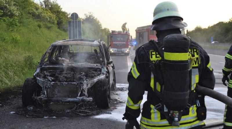 A8 bei Pforzheim-Nord – PKW ausgebrannt – 27.05.2018