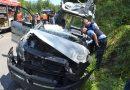 Zusammenstoß zwischen PKW und  LKW zwischen Pforzheim und Ersinger Kreuz – PKW-Fahrer lebensgefährlich verletzt.